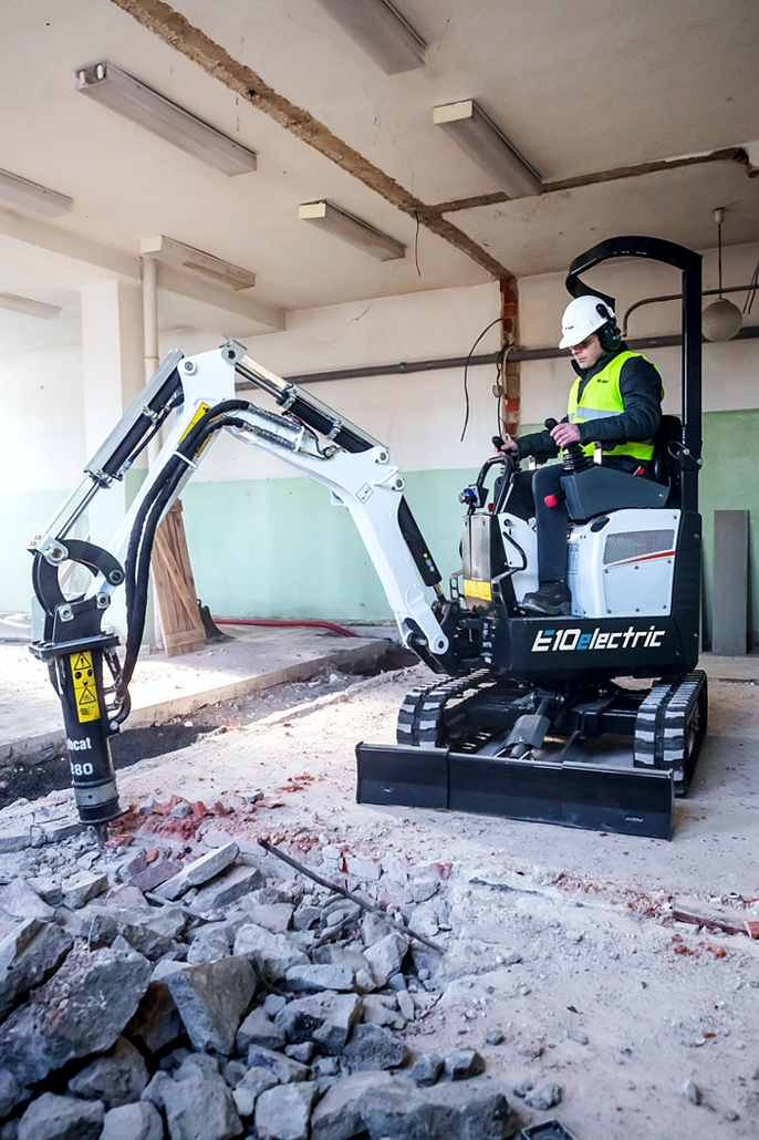 World's First 1 Tonne Electric Mini-Excavator from Bobcat